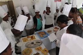 les ecoles de cuisine en médias des femmes journalistes à l école de la pâtisserie civ2010