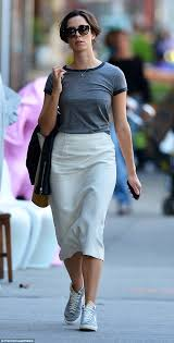 joanna gaines no makeup make up free rebecca hall keeps it practical in trainers as she