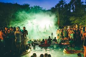 the 5 w s of going to splash house 2017 1833 fm don t think anybody from la gets into a pool during a pool party dance eat drink be merry then head on over to the after hours for more partying