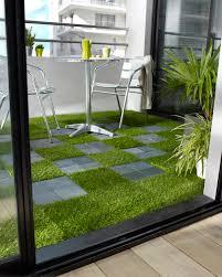 decoration terrasse exterieure moderne dalle à clipser pour balcon http www castorama fr store