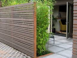 Minimalist Wooden Fence Design For House  Grand Yard - Home fences designs