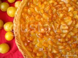 cuisiner les mirabelles tarte aux mirabelles fruits dorés sur fond de pâte brisée la
