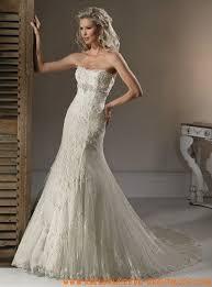 brautkleider fã r mollige gã nstig 94 best brautkleider mit spitze images on wedding