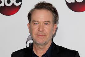 house tv series timothy hutton will star in netflix s the haunting of hill house