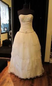 resell wedding dress best 25 wedding dress resale ideas on wedding