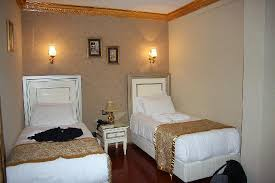 chambre lit jumeaux chambre lit jumeaux picture of maywood hotel istanbul tripadvisor