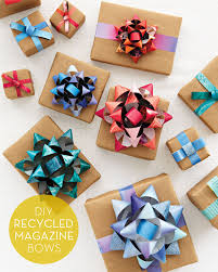 diy gift bows made from recycled magazines gift ideas