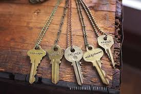 custom personalized jewelry vintage key necklace fast shipping sted custom