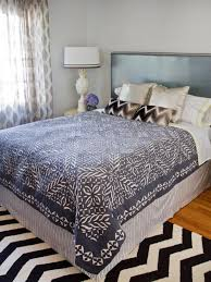 Bed Skirt With Split Corners Quick And Easy Bed Skirt Hgtv