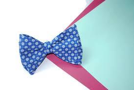 floral bowtie men s bow tie navy blue floral bowtie design great gatsby