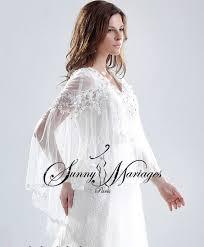 cape mariage robe de mariee en dentelle avec cape en tulle fluide vente en