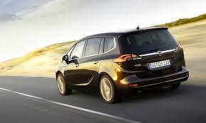 opel minivan opel zafira tourer to join local line up mid year photos 1 of 8
