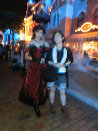 Usa Halloween File Hk Disneyland Usa Main Street Halloween Night Staff Artist