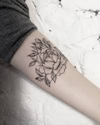 chandler alexis tattoo geometric peony tattoo by dasha sumtattoo these blackwork tattoos