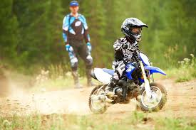 motocross bikes yamaha 2013 yamaha tt r50e 3 speed automatic dirt bike for kids
