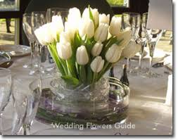 wedding flowers guide guide to seasonal wedding flowers