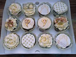 cupcake wonderful minnie cupcake cake engagement ring cake ideas