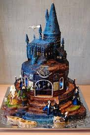 themed wedding cakes wedding online cakes themed wedding cakes we re crushing on