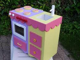 fabriquer cuisine pour fille cuisiniere enfant la voila ma fille et la fabrique