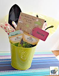 gardening gift basket s day gardening gift baskets momhomeguide