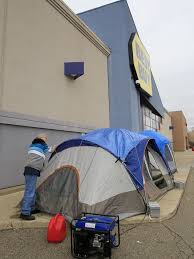 black friday finance deals best buy shoppers already lining up for black friday deals