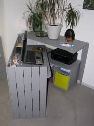 cachee bureau bureau caché en palettes recyclées pallet desk 1001 pallets
