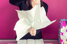 how to use tissue paper in a gift box how to put tissue paper in a gift bag