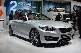 2015 bmw 2 series convertible 2015 bmw 2 series drops it top in autoguide com