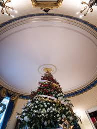 spirit halloween opening date 2015 white house christmas 2015 a holiday spectacular hgtv u0027s