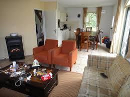 Wohnzimmer 27 Qm Einrichten Funvit Com Dunkle Fliesen