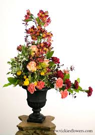memorial flowers sympathy flowers and plants vickies flowers brighton co florist