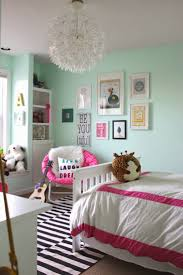 Decorating Ideas For Girls Bedroom by Best 25 Teen Bedroom Mint Ideas On Pinterest Teal Teen Bedrooms