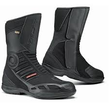 waterproof motorcycle boots best motorcycle boots reviews for riders 2017 motormanner