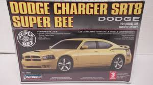 dodge charger srt8 superbee lindberg 73065 1 24 dodge charger srt8 bee freeman