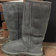 ugg boots on sale size 5 60 ugg shoes ugg essential boots size 5 grey from