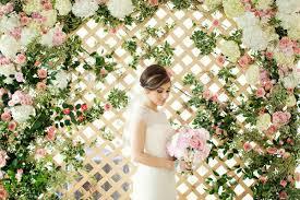 wedding backdrop lattice real wedding shadi green room interiors