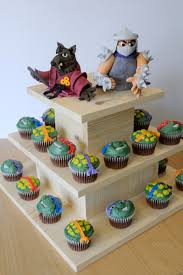 awesome ninja turtle cupcakes with splinter and shredder cake