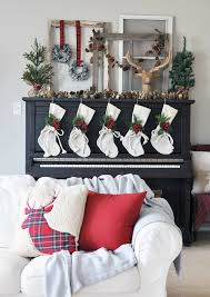 Christmas Decorating Ideas Mantels by 38 Christmas Mantel Decorations Ideas For Holiday Fireplace