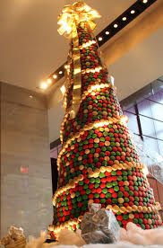the ritz carlton charlotte unveils christmas tree made of 8 000