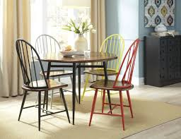 casual dining room furniture