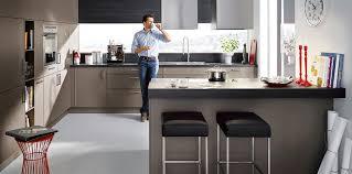inspiration cuisine ouverte cuisine ouverte avec ilot table 15 agencement de cuisine
