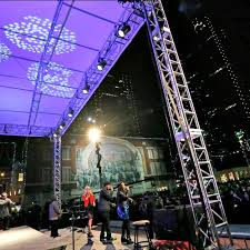 sundance square tree lighting 2017 four day weekend book launch sundance square in fort worth guidelive