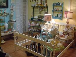Decorating Ideas With Antiques Decorating An Antique Booth Four Selling Antiques