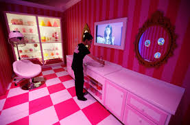 Barbie Dream Furniture Collection by Photos Of The Ridiculous Life Sized U0027barbie Dreamhouse U0027 In Berlin