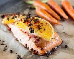 cuisiner truite au four recette de pavé de truite à l orange et carottes glacées au miel légères