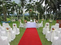modern style wedding altar decorations with memorable wedding