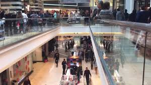 garden state plaza mall thanksgiving hours black friday shows it can still draw crowds