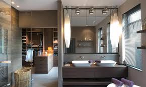 salle de bain dans une chambre suite parentale avec salle de bain chambre ouverte et dressing