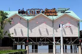 joe s crab shack chain to try no tipping policy money