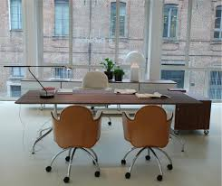De Padova Outlet by Depadova Showroom Shine Table And Flower Chair Available At Suite